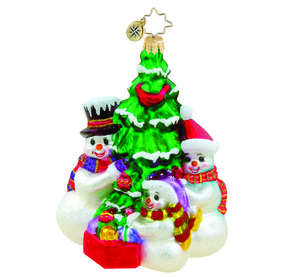 RADKO 1015526 FAMILY TRADITION - SNOWMAN FAMILY AROUND TREE ORNAMENT - NEW 2011 (11-10)