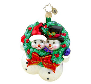 RADKO 1015462 TOGETHER TIDINGS - SNOWMAN AND SNOWGIRL WITH WREATH ORNAMENT - NEW 2011 (11-9)