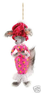 RADKO 1014536 GRANNY GROWLER - BIG BAD WOLF - ITALIAN ORNAMENT - RETIRED (G1)