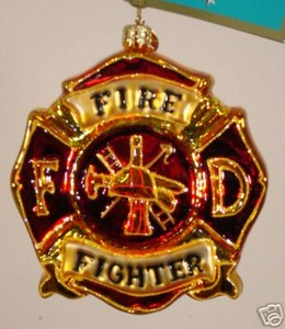 RADKO 1012253 THE BRAVEST SHIELD - FIREMAN - RETIRED ORNAMENT (H)