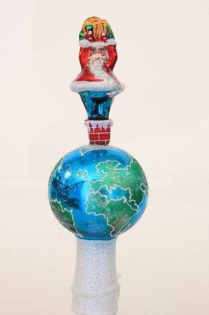 RADKO 1013511 TIGHT SQUEEZE GEM FINIAL - SANTA IN THE CHIMNEY - RETIRED (15)
