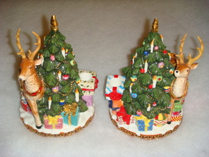 RADKO 2010428 ST NICHOLAS LANE CANDLE HOLDER SET - 8