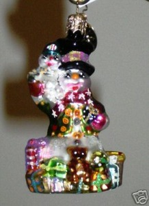 RADKO 1010624 FROSTY'S FAVORITE GIFT GEM - SNOWMAN - RETIRED ORNAMENT