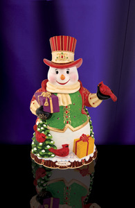 RADKO 2011890 REGAL SNOWMAN COOKIE JAR - SNOWMAN WITH CARDINALS - FREE SHIPPING - NEW FOR 2011 - NOW RETIRED