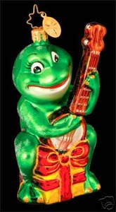 RADKO 1013031 GOIN' A COURTIN - FROG - BANJO - RETIRED (R)