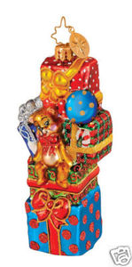 RADKO 1014596 PILE EM HIGH - STACK OF PRESENTS ORNAMENT - NEW 2009 (G4)